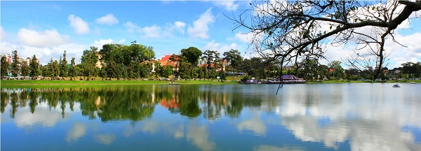 Xuan-Huong-See-Highlights-in-Dalat